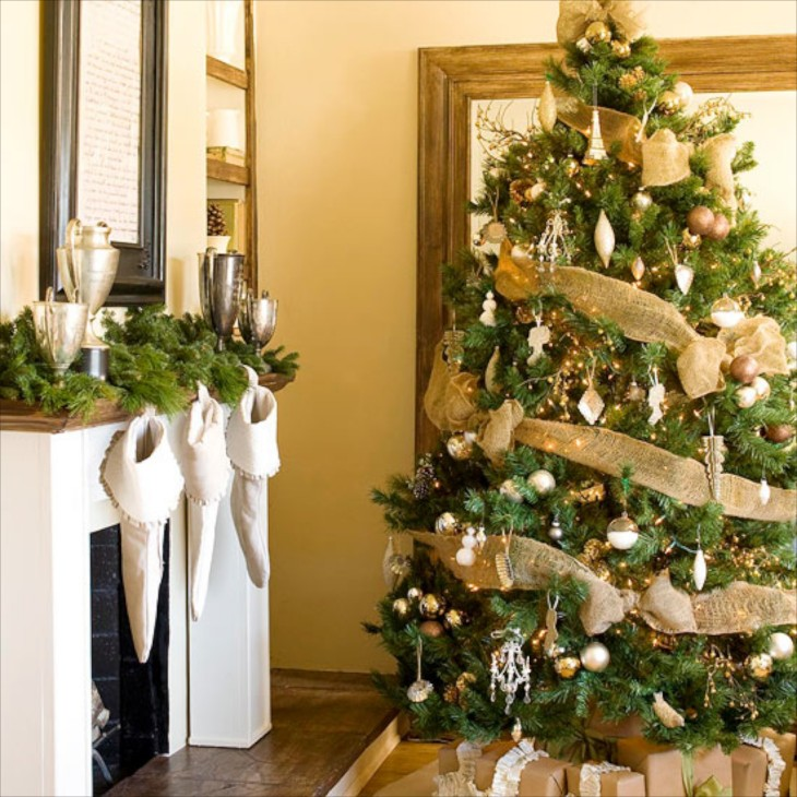 decorating the christmas tree. Black Bedroom Furniture Sets. Home Design Ideas