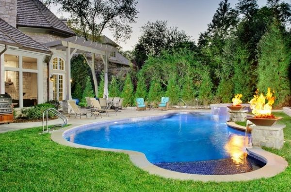 barn-house-pool-shape