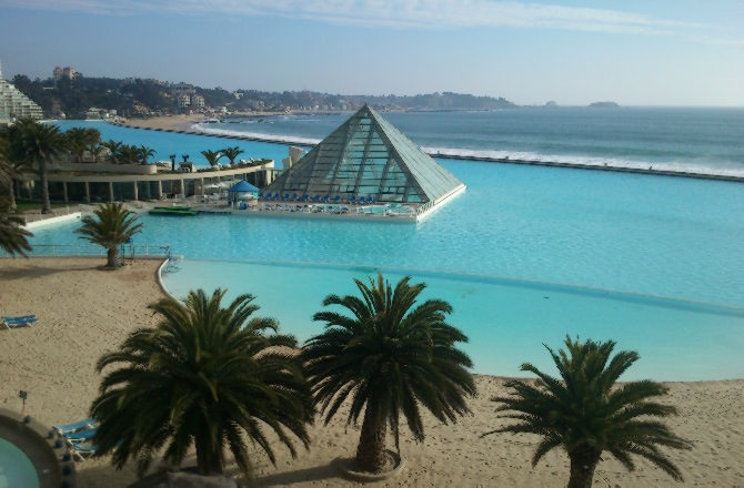 unusual-swimming-pools-worlds-largest-1