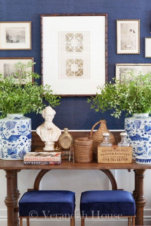 http://blog.thepinkpagoda.us/2015/01/blue-and-white-monday-navy-walls.html
